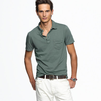Broken-in pocket polo in slim fit