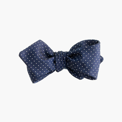 Silk bow tie in pindot