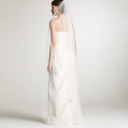 Floor-length bridal veil