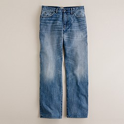 Relaxed jean in light indigo wash