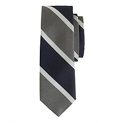 Silk tie in grey stripe