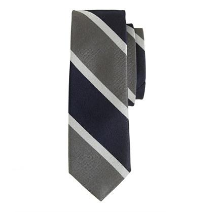 Silk tie in grey stripe