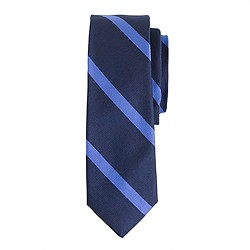 Silk tie in diagonal stripe