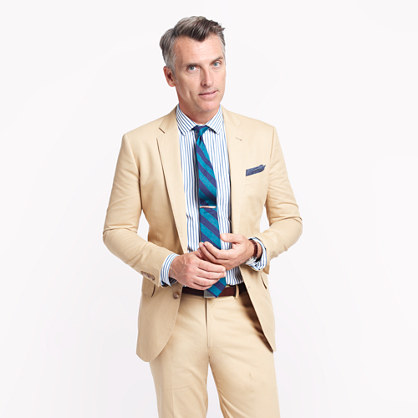 Ludlow two-button suit jacket with double-vented back in Italian chino