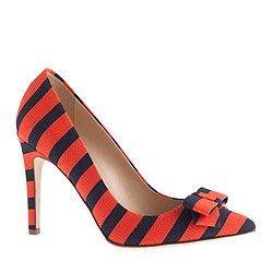 Collection bow pumps in stripe