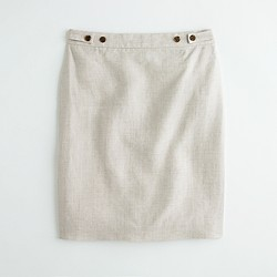 Factory button-tab skirt in lightweight linen