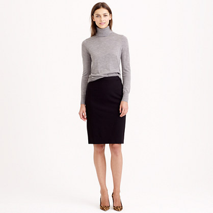 Pencil skirt in stretch wool