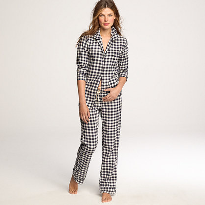 Women's Discount Name Brand Clothing Online. Selecting a fashionable wardrobe is not easy, but Stein Mart's selection of women's clothing for less can make it much easier. Whatever the occasion, we have casual and formal attire that touches on all the current trends.