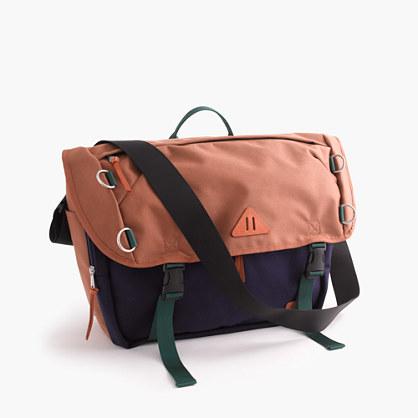 Trail messenger bag