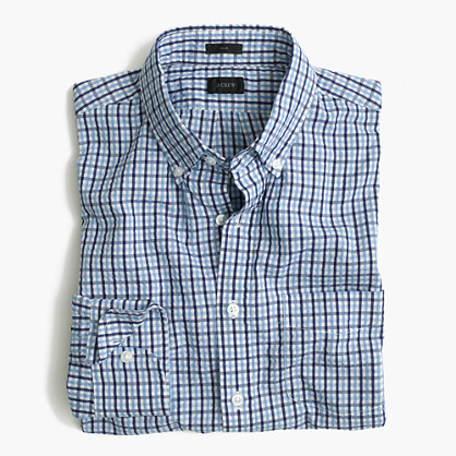 Slim seersucker shirt in blue tattersall