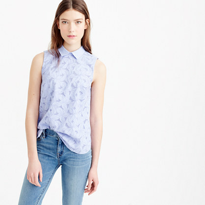 Eyelet top with collar