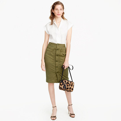 Button-front garment-dyed skirt in stretch twill