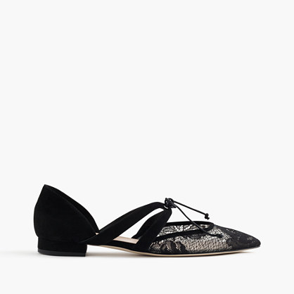 Tie-front flats in lace and suede