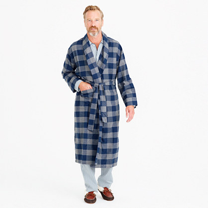 Flannel robe in buffalo check