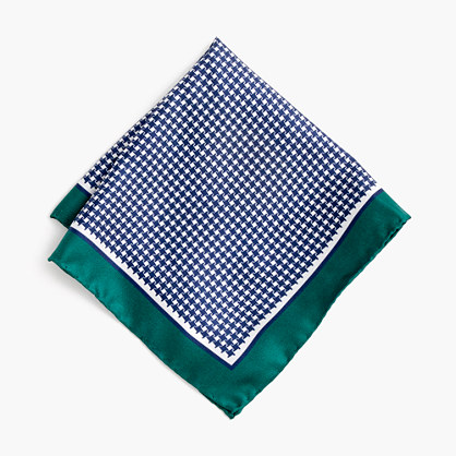 Silk pocket square in houndstooth