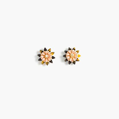 Flower stud earrings
